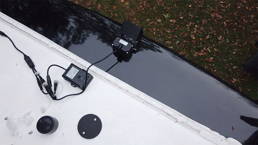 get power from a battery pack or marker light